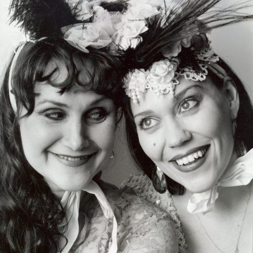 Teatteri Gorgo Tytöt Show 1994-96, kuva Paula Kukkonen.